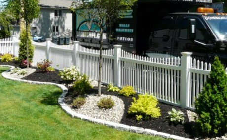 Picket Vinyl Fence