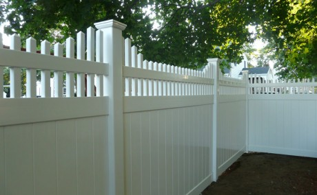 6'ft by 8'ft White Vinyl Fence with Step Down Open Top Spindle